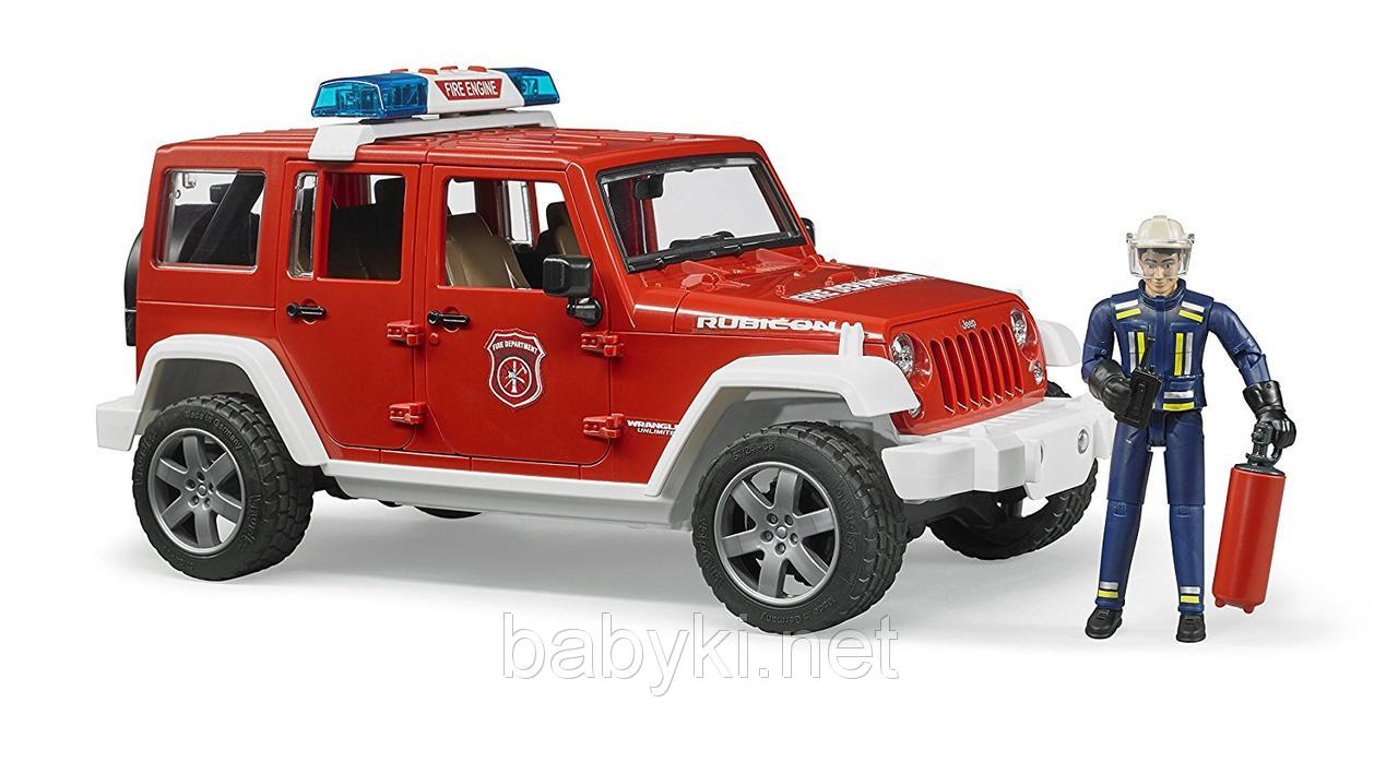 Bruder джип пожарный Wrangler Unlimited Rubicon с пожарником 02528