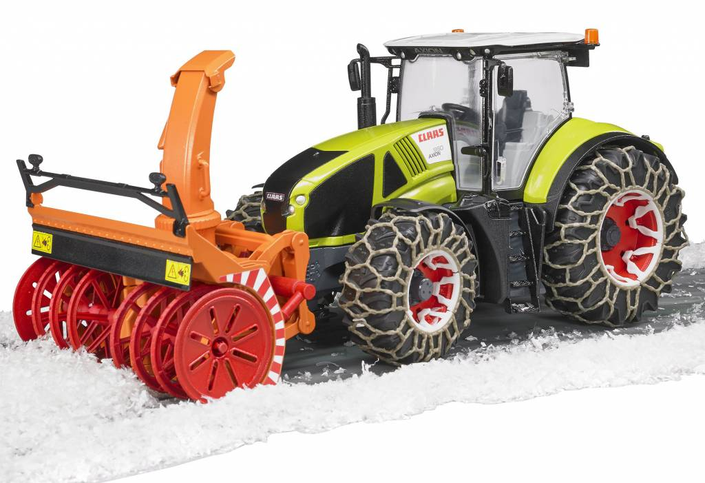 Bruder трактор Claas Axion 950 с цепями и снегоочистителем