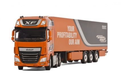 Трейлер DAF XF SUPER SPACE CAB 6x2 TWIN STEER - 3 AXLE